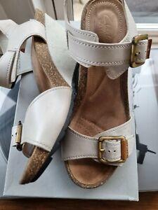 Clarks Stone Cream Wedge Sandals 6 39