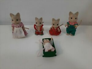 Vintage 1980's Sylvanian Families - Lot of 5 Cat Wood Family Figures