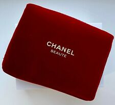 Chanel Cosmetic/Makeup Bag Pouch Clutch velvet red makeup Holiday 2019 Vip Gift