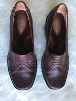 Clarks artisan  Womens Brown Sz 6.5 M Leather slip on Loafers shoes