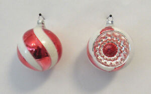 """SET OF 2 VTG 1950s WEST GERMAN GLASS CHRISTMAS TREE ORNAMENTS RED WHITE 2 3/4"""""""