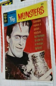 THE MUNSTERS #15 (1967) GOLD KEY COMICS HERMAN  CLASSIC TV   see pics
