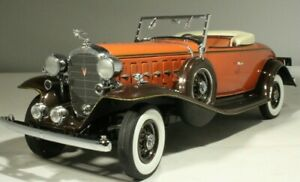 GEM LIMITED EDITION 1932 Cadillac V-12 Roadster 1:24 Danbury Mint