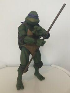 NECA - Donatello - Teenage Mutant Ninja Turtles 1990 TMNT - 1/4 scale figure