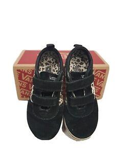 Black Vans Ward V junior size 9.5 easy fastening