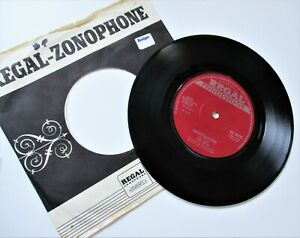 THE MOVE**BRONOSAURUS**LIGHTNIN NEVER STRIKES TWICE**1970 REGAL ZONOPHONE LABEL