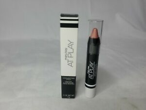 New Mary Kay At Play Highlighting Stick: Rose Gold Glow
