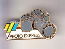 RARE PINS PIN'S .. TV RADIO PRESSE  PHOTO PHOTOGRAPHIE EXPRESS ARTHUS B. ~CF