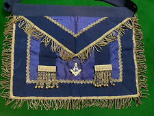 Vintage Masonic apron with badge in good condition
