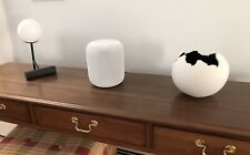 Apple HomePod Voice Enabled Smart Assistant - White, excellent condition