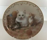 THE ROYAL FAMILY SUSAN LEIGH CAT KITTEN PLATE 1988 AMERICAN ARTISTS CERTIFIED