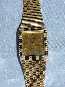 MENS PIERRE CARDIN WATCH GOLD COLOURED METAL STRAP QUARTZ WORKING WITH BATTERY