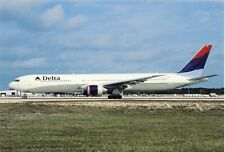 DELTA   AIRLINES  B-767-400     AIRPORT / AIRPLANE / AIRCRAFT   419