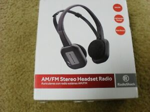Radio Shack  AM/FM Black Stereo Headset Radio Complete in Box Used