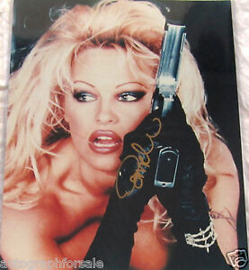 Pamela Anderson autographed signed Barb Wire 1996 movie 16x20 poster size photo