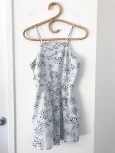 LEE Size 8 Pale Blue Paisley Print Adjustable Straps Causal Summer Playsuit