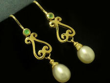 E056- Genuine 9ct SOLID Yellow Gold NATURAL Emerald & Pearl Scroll DROP Earrings