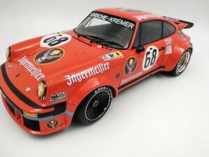 Grosse Porsche 934 Jagermeister 24h mans 1978 echelle 1:12 longueur 35cm neuve