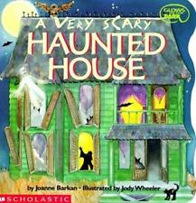 A Very Scary Haunted House (Glows in the Dark) Barkan, Joanne Paperback