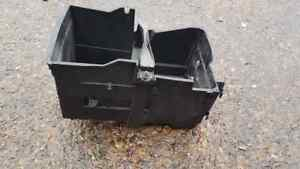 FORD FOCUS MK2 ST 225 BATTERY TRAY AND CLAMP 2004-2011