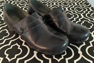 Womens Dansko Solstice Clog Shoes Navy blue leather slip on 9.5 EU 40