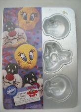 UNUSED 1994 Wilton Looney Tunes Tweety & Sylvester mini cake pan - NEVER OPENED!