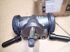 Bremszylinder FAG R3896B1 für DPB 16138008 IHC 3138233R91 MF 2944167M9
