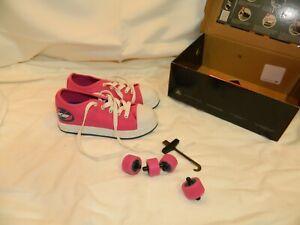 Heelys Girls Fucshia Pink Size 1 Skate Shoes