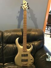 Ibanez BTB205 5 String Bass Guitar - Excellent Condition! - Pewter