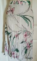 LADIES M&S CLASSIC FLORAL  CHIFFON LINED IVORY  MIX  CRINKLE SKIRT SIZE 18 BNWT