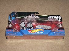 Star Wars - Disney Hot Wheels - TIE Fighter v Millennium Falcon set
