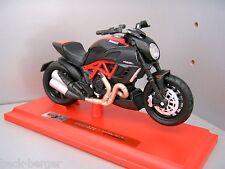 DUCATI Maisto Modelo De Motocicleta DIAVEL 1200 1:18 CARBONO ROJO estático NUEVO