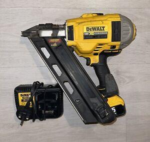 Dewalt DCN692 18V XR First Fix Brushless Nail Gun + 5ah Battery And Charger