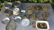 Lot de pièces anciennes pour ancien réveil mécanique, idéal restauration. 4.8 kg