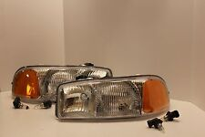 GMC YUKON XL Left & Right Headlights Headlamps & NEW BULBS 2004 2005 2006