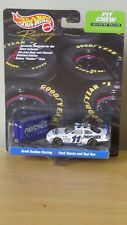 Hot Wheels Pit Crew Brett Bodine Racing #11 Paychex Ford Taurus and Tool Box NEW