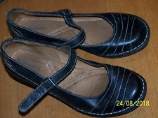 "NATURALIZER BRAND BLACK LEATHER BUCKLE STRAP MARY JANES 2"" WEDGE HEELS SZ 9M"