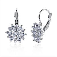 Gorgeous White Topaz Snowflake Flower Leverback Stud Earrings 925 Silver Jewelry
