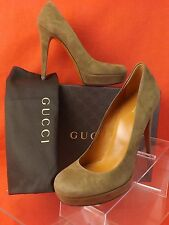 NIB GUCCI MAPLE BEIGE SUEDE BETTY ROUND TOE PLATFORM HEEL CLASSIC PUMPS 40 $520