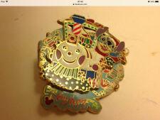 Disney Christmas Disney Pins & Buttons (1968-Now)