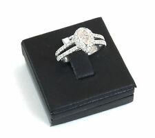 Anello oro bianco 18kt con 2 diamanti centrali taglio goccia totale caratura0,55