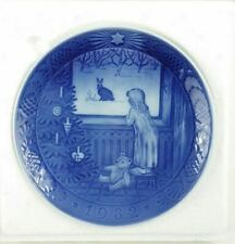 Royal Copenhagen 1982 Waiting for Christmas Plate with box