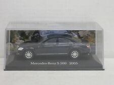 Mercedes-Benz S 500 in schwarz, o.OVP + Vitrine, IXO / De Agostini, 1:43