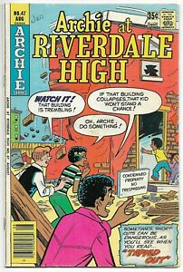 Archie at Riverdale High #47 (Archie 1977) – Archie in Drag – Chuck Clayton – FN