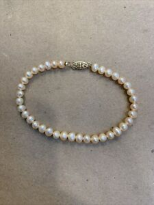 """8"""" pink baroque pearl bracelet with 14K clasp"""