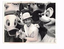"""Sandy Duncan Donald Duck Mickey Mouse CBS Television 7"""" x 9"""" Used Press Photo"""