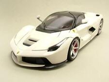 Ferrari LaFerrari 2013 bianco, Modello auto 1:18 / Mattel - Hot Wheels