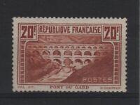 """FRANCE YVERT 262  SCOTT 253 """" PONT DU GARD RED BROWN 1931 """" MNH VF V139"""