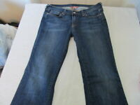 VERY NICE pair of Lucky Brand Women's Jeans - size 12/31 super comfortable