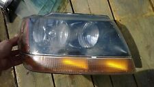 1999-2004 Jeep Grand Cherokke Laredo Sport Passenger Right headlight Head Light